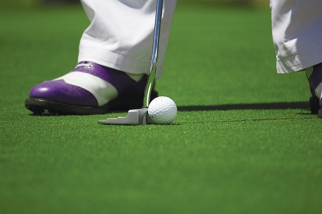 Get The Ball In The Hole With These Great Golf Tips